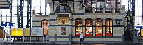 Haarlem. Biblioteca in stazione