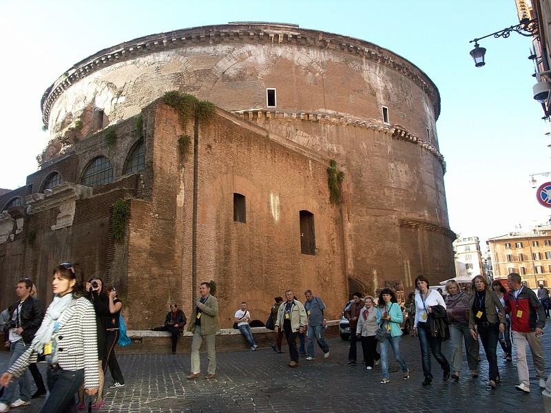 Roma 030 piazza della rotonda esterno del pantheon roma for Esterno pantheon
