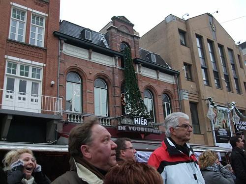 Eindhoven. La Serieuse Request