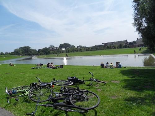 Amsterdam Vondelpark Bici e Bagnanti