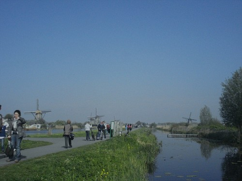 I Mulini a Vento di Kinderdijk - la strada