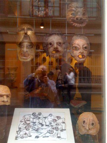 Shopping ad Amsterdam. Piero che fotografa una vetrina